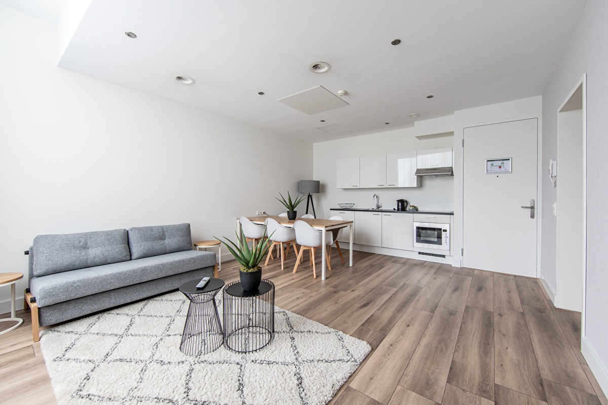 Family Room (esempio, la disposizione della stanza può variare)